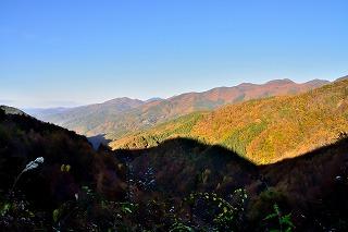046分杭峠付近から伊那方面を見る①.jpg