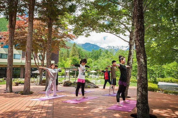 http://www.komagane-linx.co.jp/yoga%20photo014.jpg